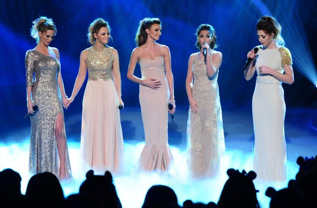 Nicola Roberts, Nadine Coyle, Kimberley Walsh, Cheryl and Sarah Harding of Girls Aloud