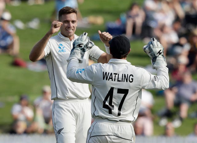 Tim Southee believes New Zealand need early wickets on day four against England to put the home side in a strong position
