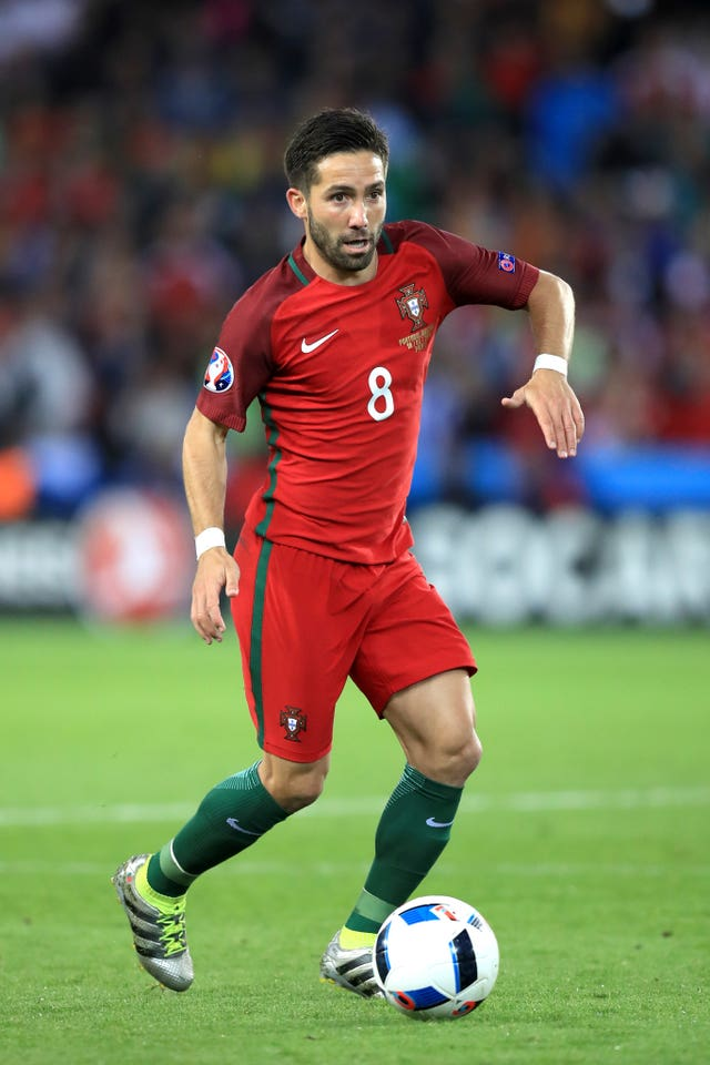 Moutinho offers Portugal vast experience