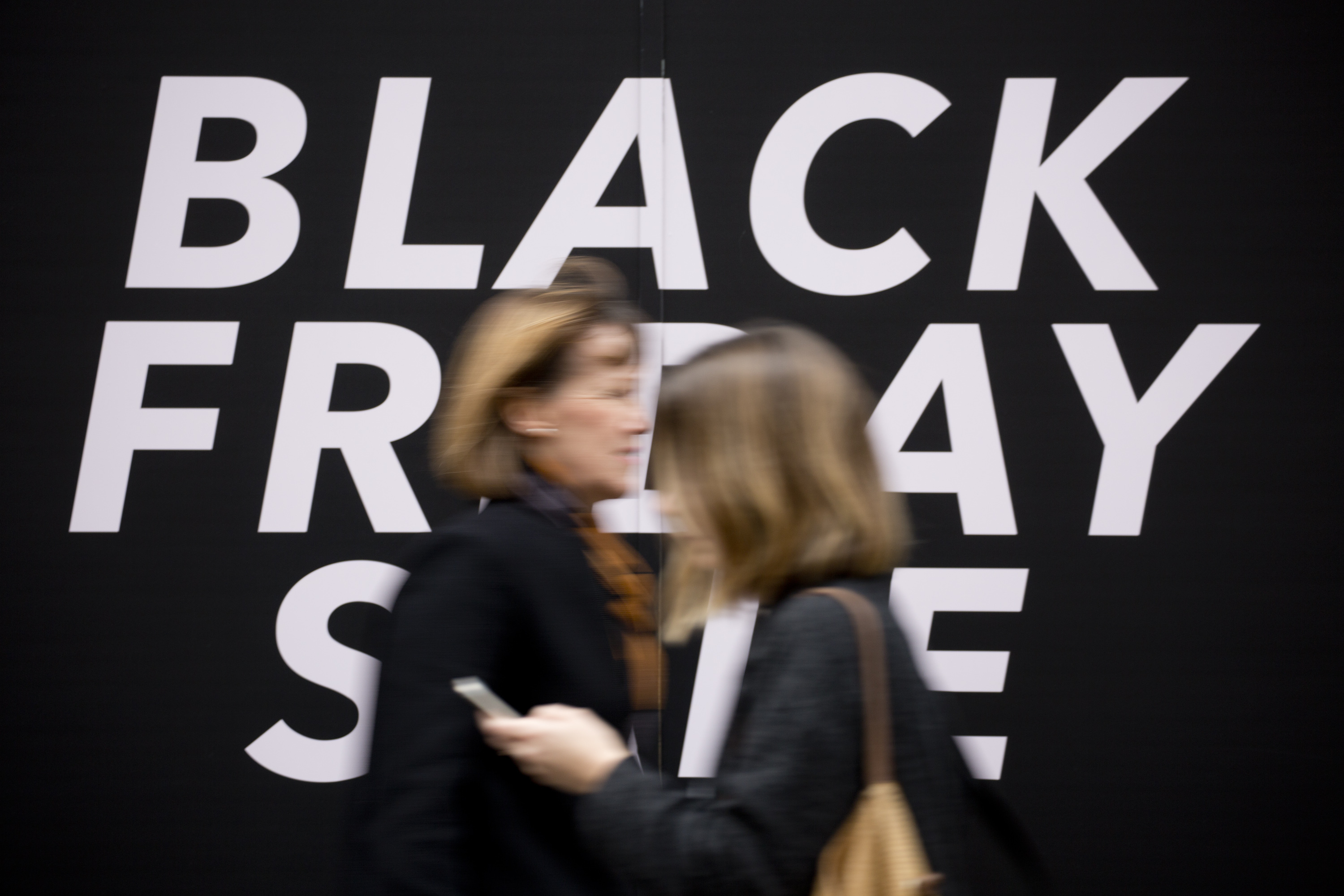 UK Retail Sales Continue Rising Trend In Run-up To Christmas