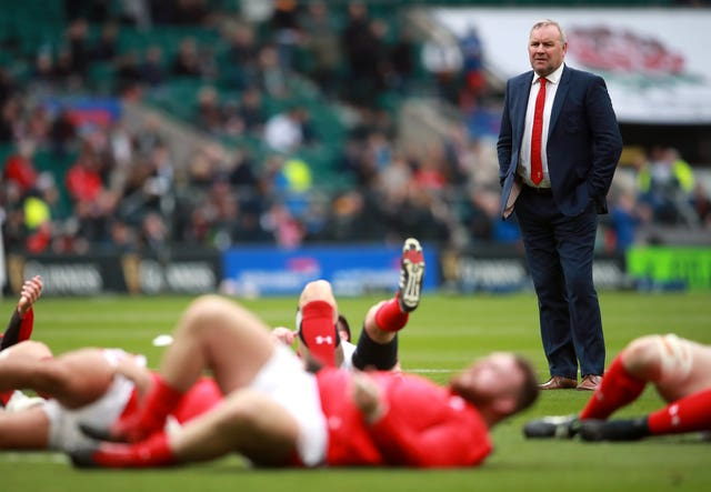 Wales coach Wayne Pivac (right) was due to return to New Zealand