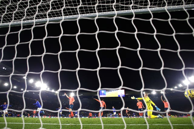Everton appealed for offside for Kelechi Iheanacho's winning goal in Leicester's 2-1 win