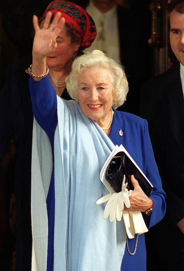 DAME VERA LYNN AT 90 ROYAL Lunch/Vera Lynn leaves