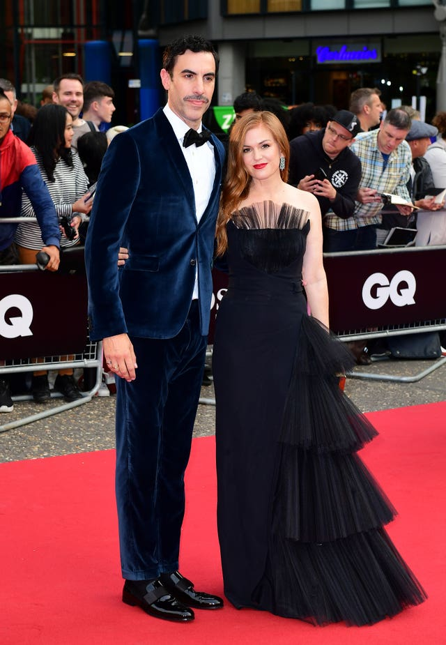 Sacha Baron Cohen and Isla Fisher on the red carpet