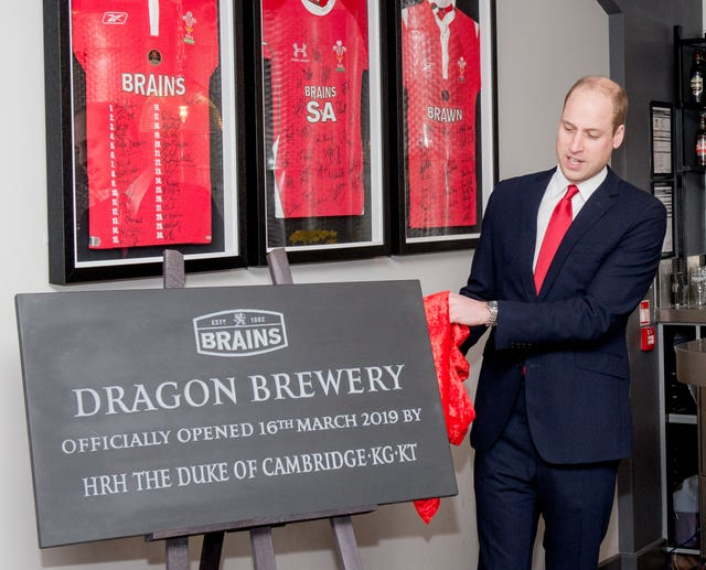The Duke of Cambridge unveils plaque