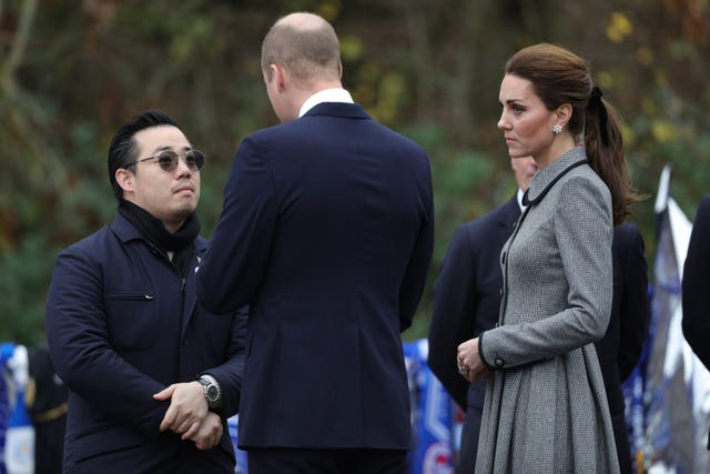 William and Kate speak with Aiyawatt Srivaddhanaprabha