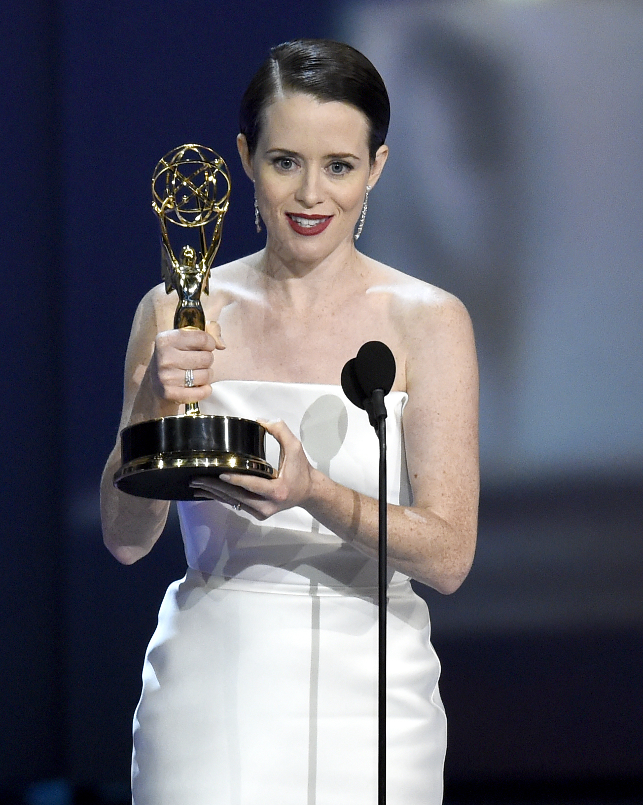 'The Marvelous Mrs. Maisel' takes early lead at Emmy Awards