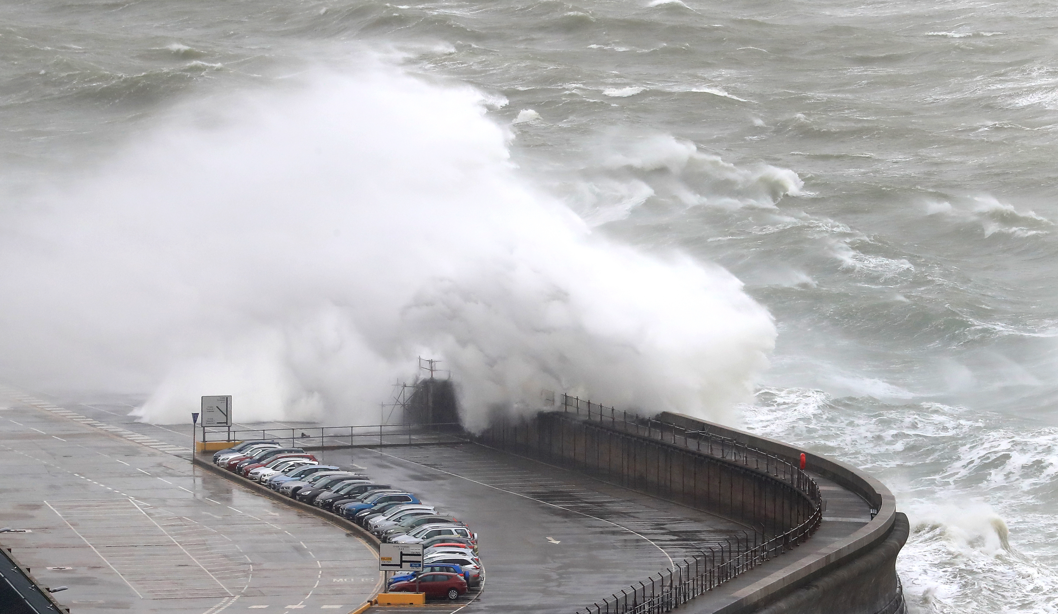 West coast takes brunt of Storm Gareth | Scotland