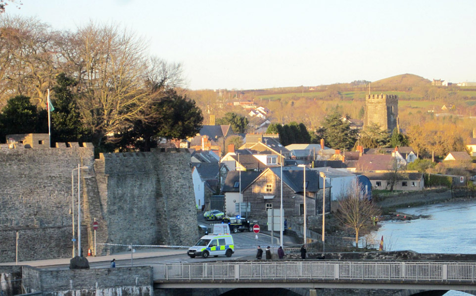 Toddler died after mother's auto  rolled into River Teifi