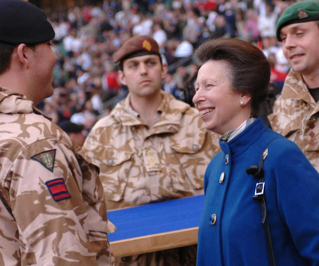 Anne with soldiers