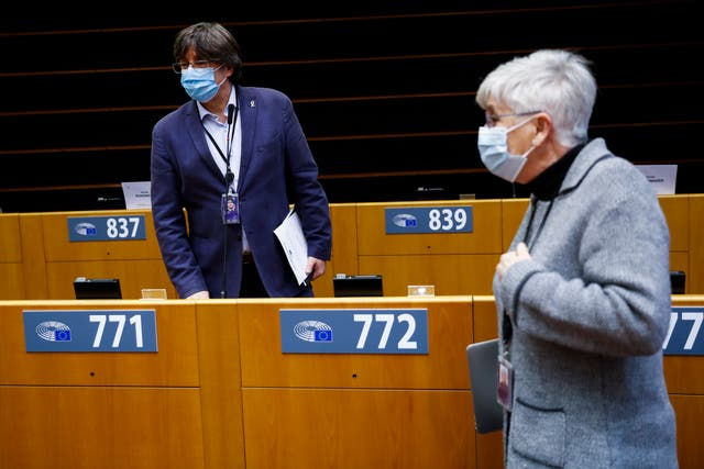 Carles Puigdemont and Clara Ponsati at the European Parliament in Brussels