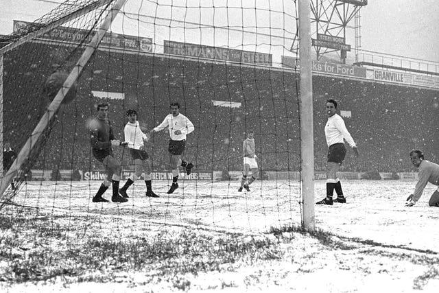 Soccer – Football League Division One – Manchester City v Tottenham Hotspur – Maine Road