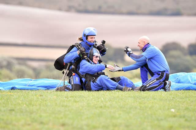94-year-old D-Day veteran fundraising skydive