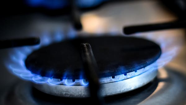 Consumers warned to check energy deals as slew of cheap tariffs end