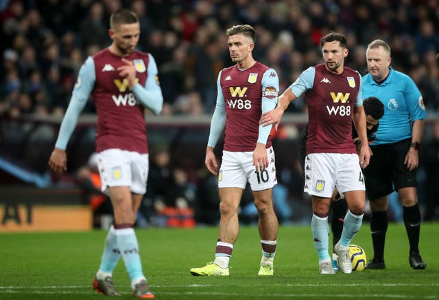 Dejected Aston Villa players after their 6-1 defeat to Manchester City