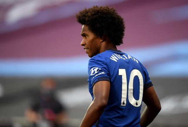 Chelsea's Brazil international Willian has been linked with a move to London rivals Arsenal.