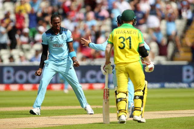 Jofra Archer celebrates the wicket of Aaron Finch