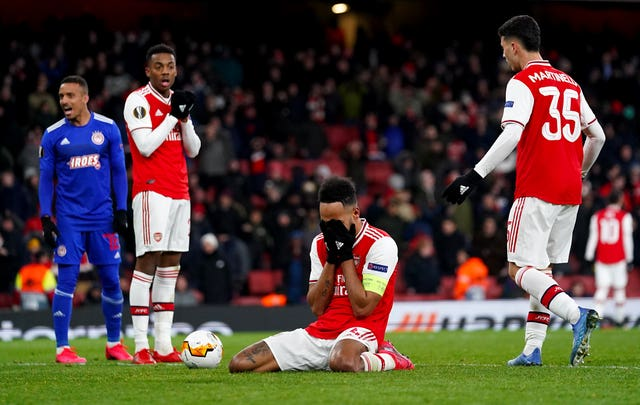 Pierre-Emerick Aubameyang missed a late chance for Arsenal