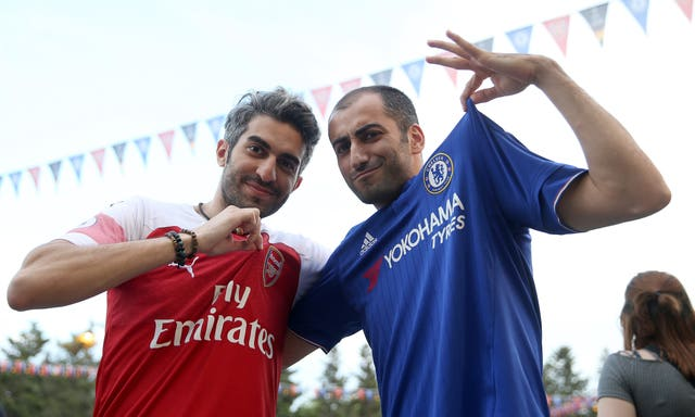 Chelsea and Arsenal Fans in Baku