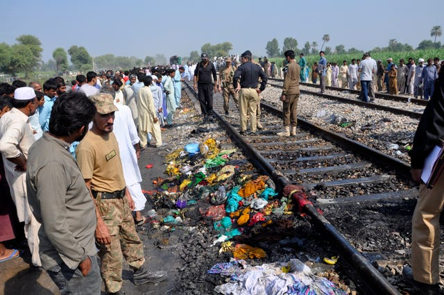 Pakstan Train Fire
