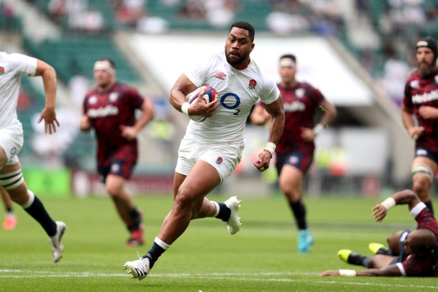 Joe Cokanasiga scored his first test in 22 months with a brace as England defeated the United States 43-29 at Twickenham (David Davies / PA).