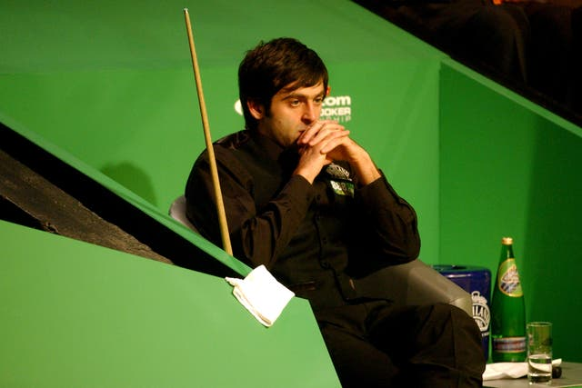Ronnie O'Sullivan in thought during a semi-final in 2006