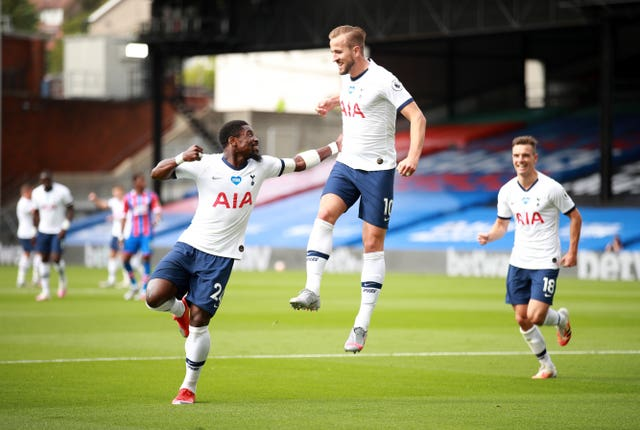 Harry Kane's early goal at Crystal Palace was enough to earn Tottenham a draw and a sixth-placed finish.