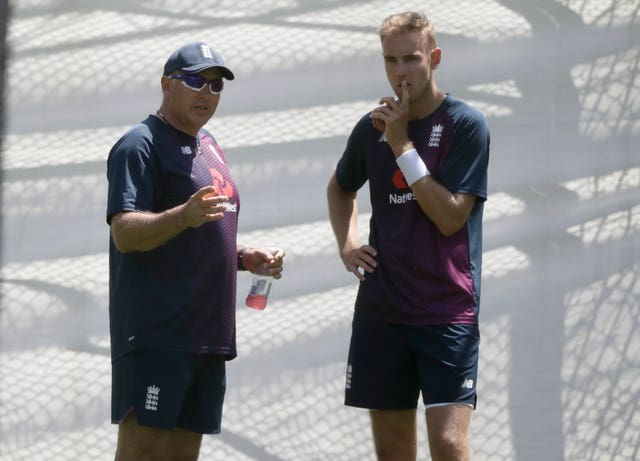 Stuart Broad, right, kept the runs down but struggled to take wickets