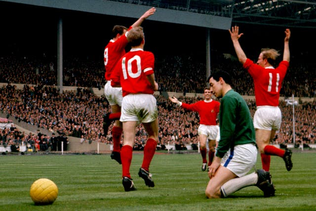 Manchester United won the 1963 FA Cup final, played three weeks later than usual due to the truncated third round.