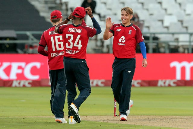 Sam Curran, right, celebrates the wicket of Heinrich Klaasen in Cape Town