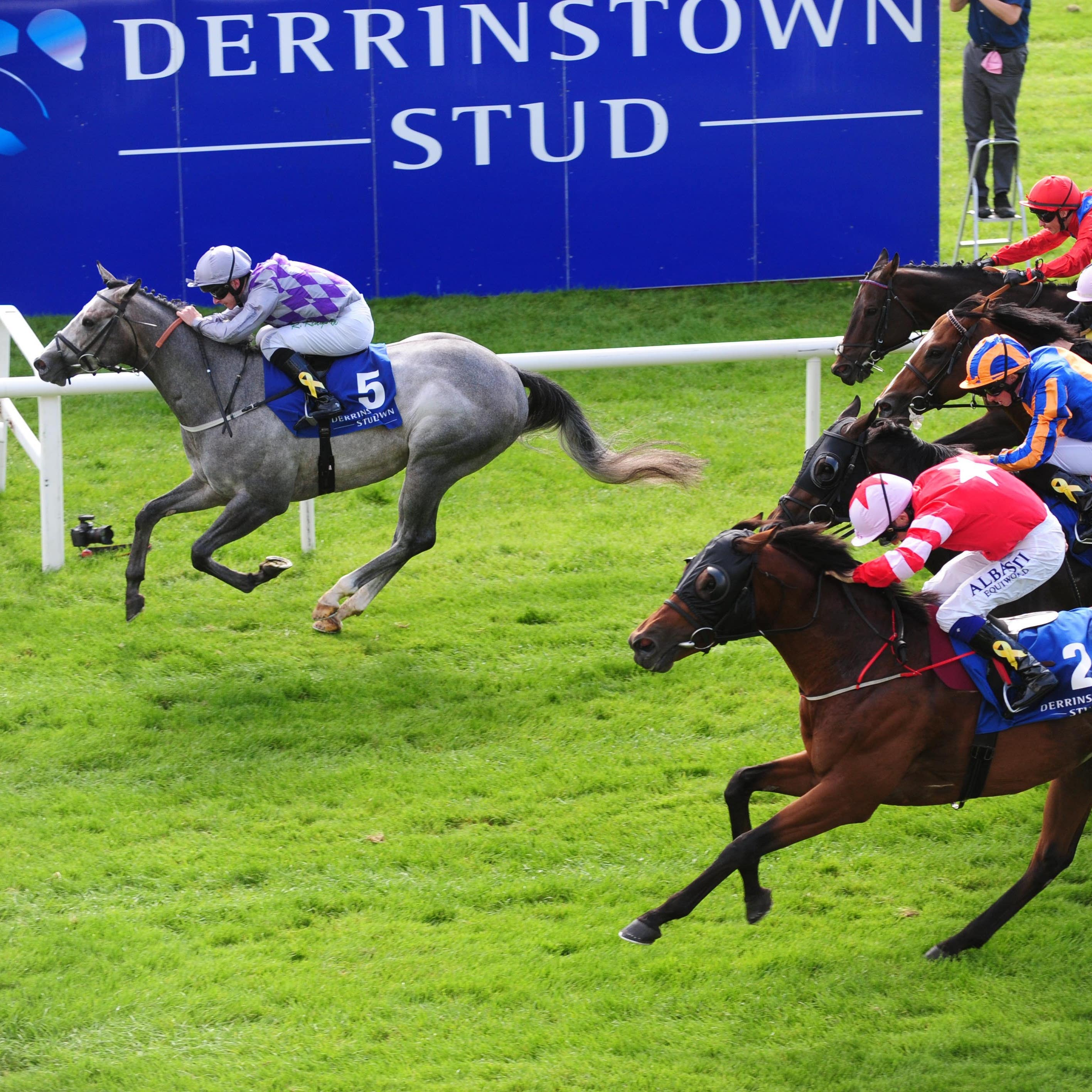 Son Of Rest (centre) on his way to finishing second in the Flying Five at the Curragh