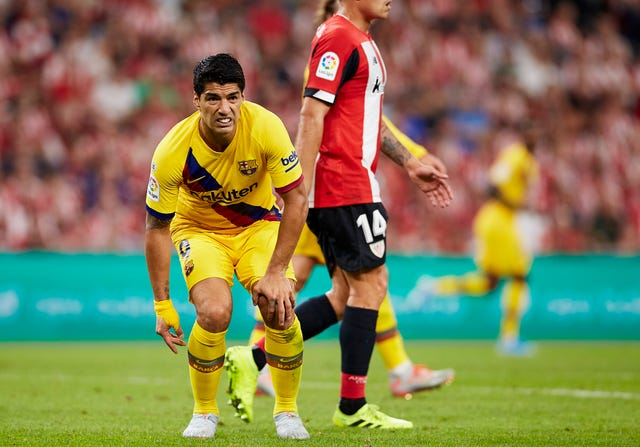 Luis Suarez picked up an injury in the first half