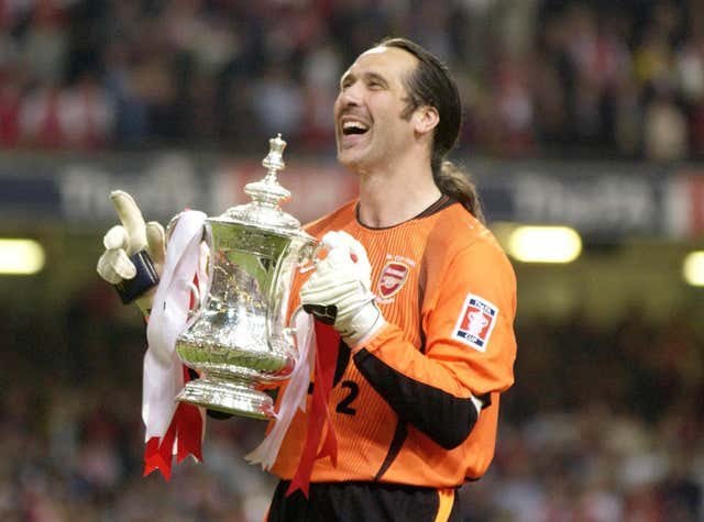 Arsenal's David Seaman with the FA Cup