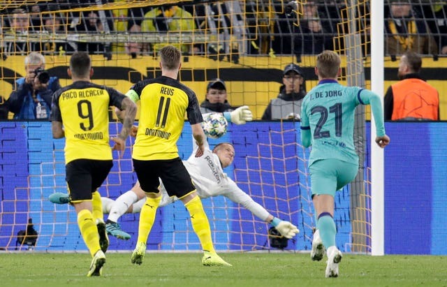 Barcelona's goalkeeper Marc-Andre Ter Stegen made a superb double save following Dortmund's penalty. (AP)