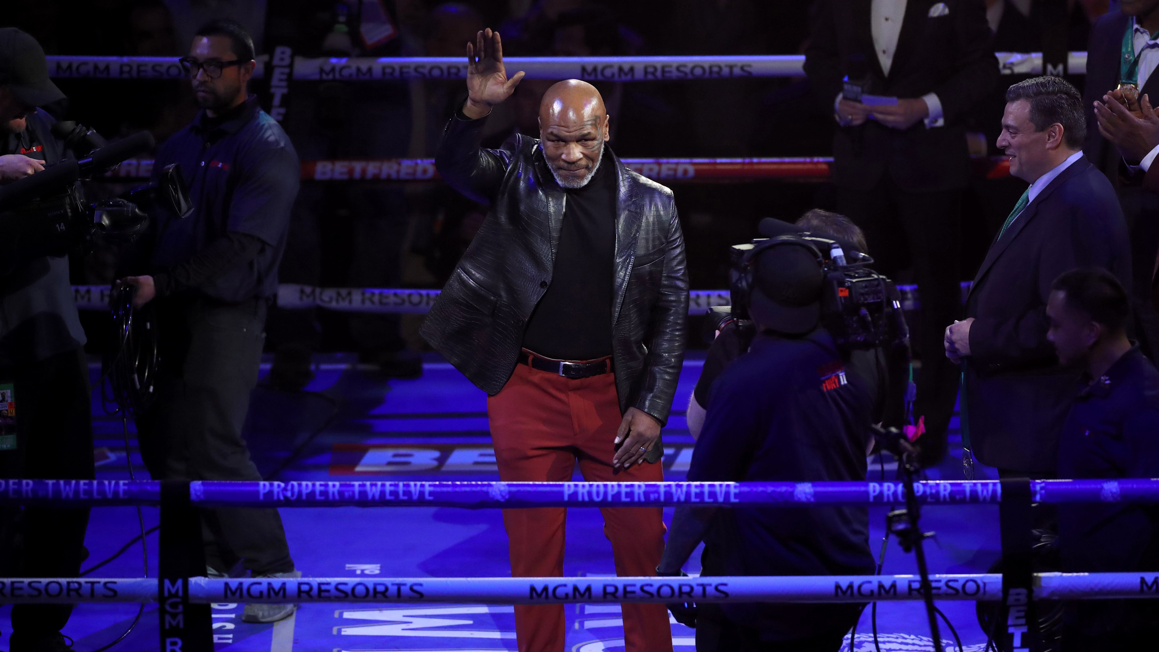 mike tyson to make boxing comeback against roy jones jr bt sport boxing comeback against roy jones jr