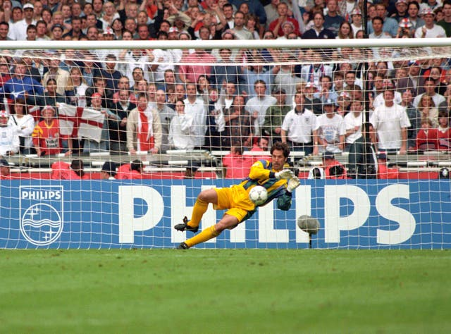 David Seaman paid tribute to Gordon Banks