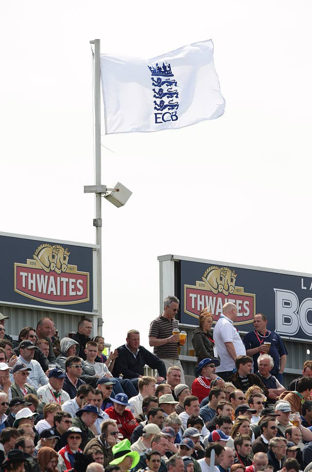 Cricket – Second npower Test Match – Day Two – England v New Zealand – Old Trafford Cricket Ground