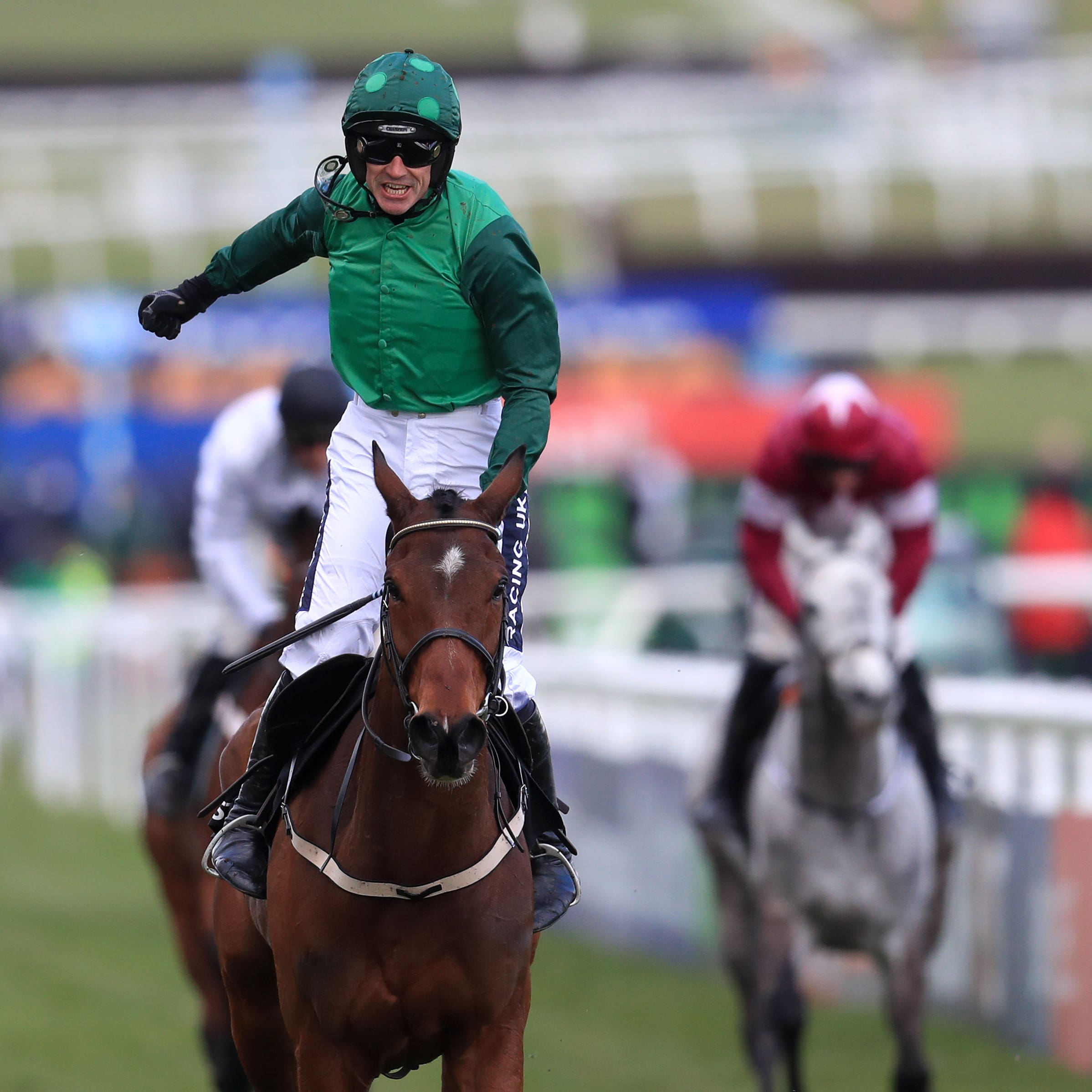 Footpad and Ruby Walsh after winning the Arkle Trophy at Cheltenham