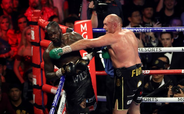 Fury unleashed a flurry of punches on Wilder as he sought the knockout