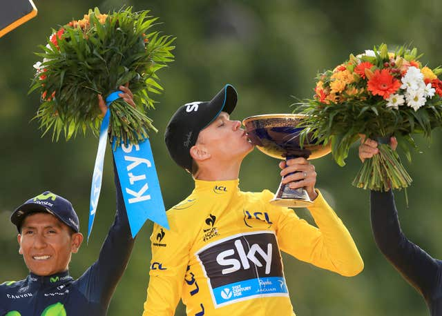 Froome celebrates winning the 2015 Tour