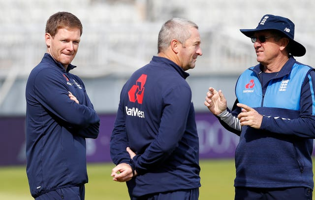Paul Farbrace (centre) will bring with him experience from international cricket
