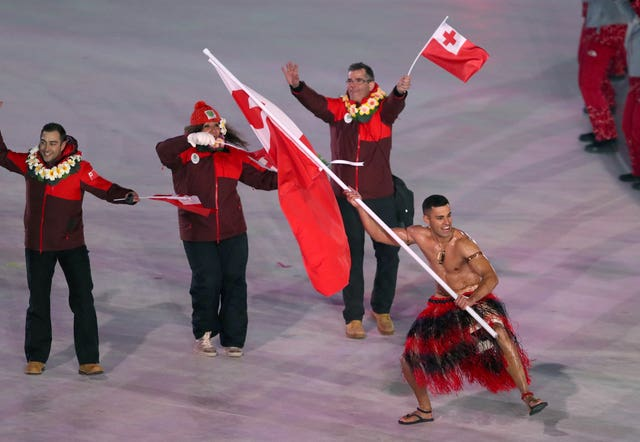 Tonga flag bearer Pita Taufatofua opted for showmanship over warmth at the opening ceremony