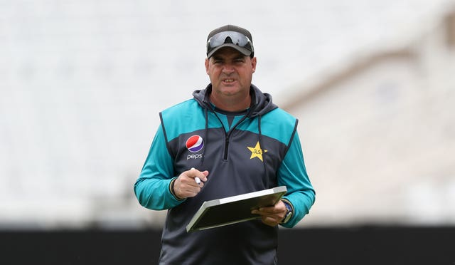 Mickey Arthur's contract is up