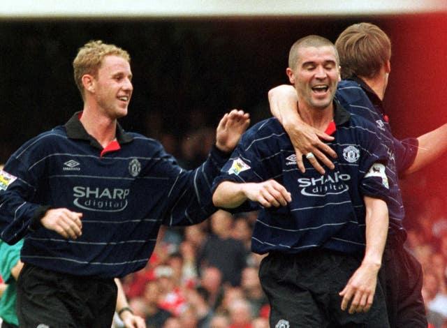 Arsenal/United Keane celebrates