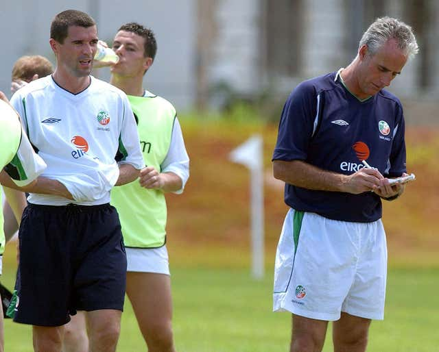 Mick McCarthy (right) and Roy Keane at Republic of Ireland training. (PA)