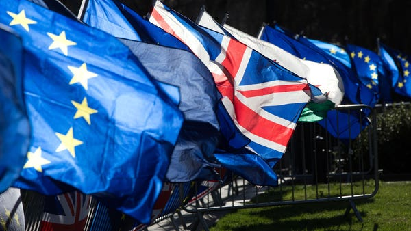 Scottish and Welsh FMs push for Brexit delay in joint letters