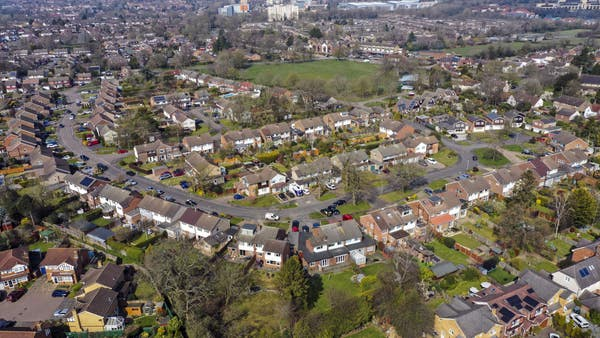Average asking price on a home hits new high of £323,530 in October