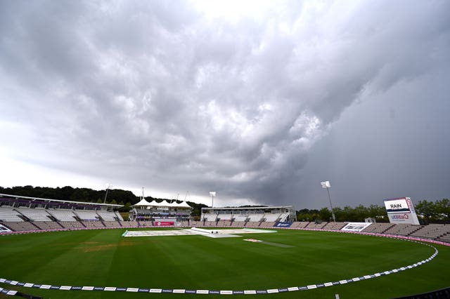 The storms took control at the Ageas Bowl