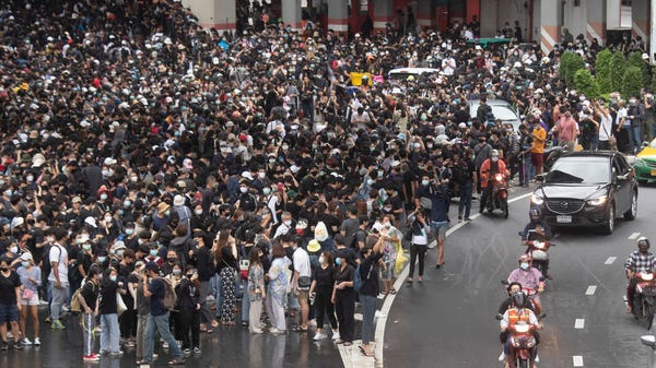 Bangkok shuts down transport systems as protests continue
