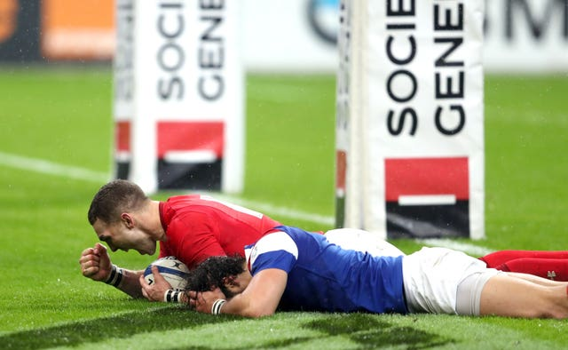 George North (left) capitalised on France errors to seal the first win of the grand slam campaign